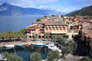 Hotel Ristorante Gardesana - AbcAlberghi.com