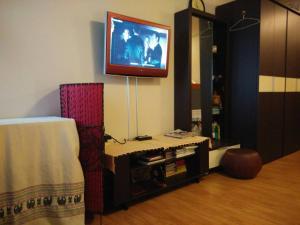 Renovate Room Near Impact, Apartmanok  Banbangphang - big - 46