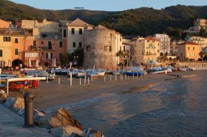 Hotel Meuble Corallo - AbcAlberghi.com