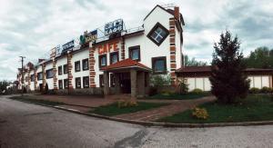 Мотель M10 Service, Посеничи