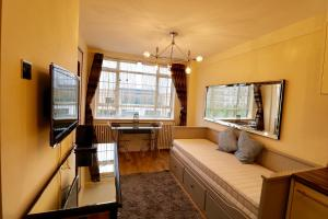 Nell Gwynn House Apartment - London
