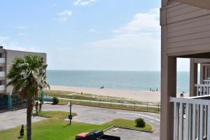 . Corpus Christi Beach Condo 1217