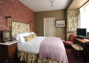 The Stag and Huntsman at Hambleden, Bed and Breakfasts  Henley-on-Thames - big - 22