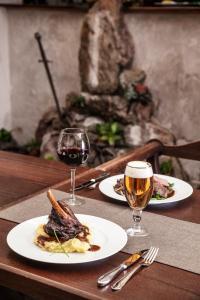 Albergues - Excalibur Penzion a Restaurace