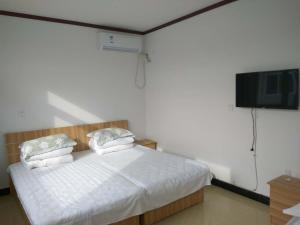 Triple Room with Shared Toilet Gubei Water Town Dongshan Farm Stay