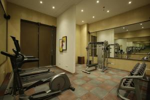 Golden Tulip Suites Gurgaon, Aparthotels  Gurgaon - big - 11