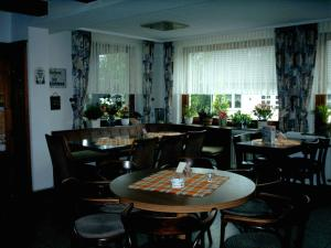 Gasthof Haus Hubertus, Penzióny  Winterberg - big - 7