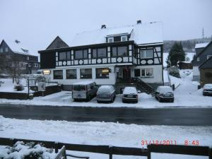 Gasthof Haus Hubertus, Penzióny  Winterberg - big - 17