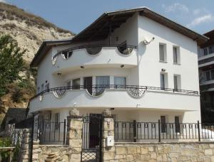 Villa Monche