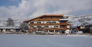 Frühstückspension Tannenhof - Hotel - Kirchberg in Tirol