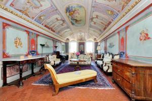obrázek - Charming Frescoed Apartment