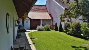 Slovácká chalupa, Dovolenkové domy - Strážnice