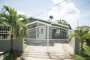 Home away from home, Dovolenkové domy  Chaguanas - big - 1