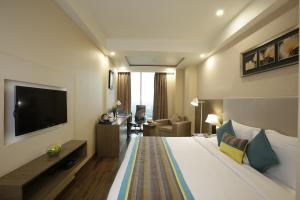 Golden Tulip Suites Gurgaon, Aparthotels  Gurgaon - big - 3