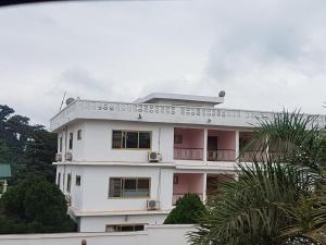 Awuakyewaa Hotel - Obo