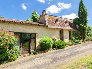 Location gîte, chambres d'hotes Welcoming Villa near River in Pied-de-Borne dans le département Lozère 48