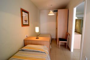 Apartamentos Mestral, Апартаменты  Ла-Эскала - big - 9
