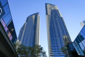 Circle On Cavill Surfers Paradise Apartments