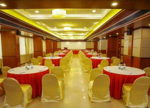 Classic Sarovar Portico Trivandrum, Szállodák  Trivandrum - big - 40
