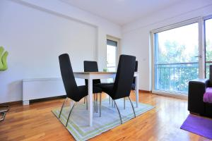 Apartment Charta