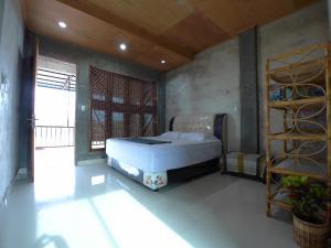 Eddie's Homestay, Проживание в семье  Lhonga - big - 79