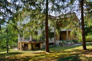 Villa con parco nel cuore della città - AbcAlberghi.com