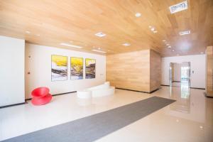 E-HOME Serviced Apartment Century Park Branch - Huamu