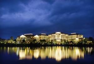 Landison Green Town Hotel Xinchang, Hotely  Xinchang - big - 30
