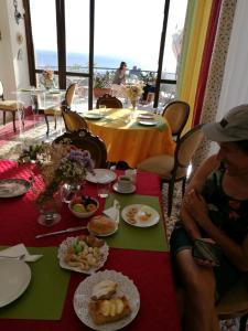 Pupi Catania Etna B&B, Bed & Breakfast  Aci Castello - big - 19