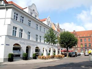 Hotel Schweriner Hof, Отели  Штральзунд - big - 1
