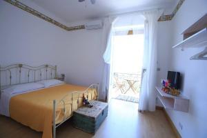 Pupi Catania Etna B&B, Bed & Breakfast  Aci Castello - big - 2