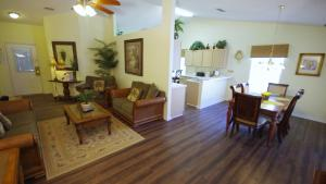 Four-Bedroom Rocco Villa, Виллы  Орландо - big - 39