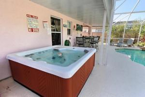 Four-Bedroom Audez Tropical Villa, Виллы  Орландо - big - 33