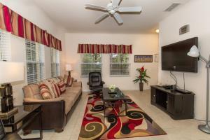 Four-Bedroom Yellow Villa #3000, Ville  Orlando - big - 35