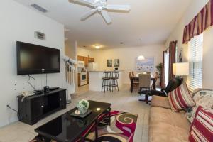 Four-Bedroom Yellow Villa #3000, Ville  Orlando - big - 36