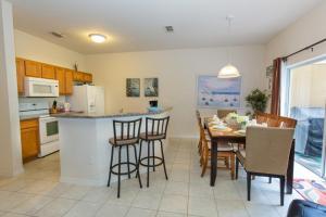 Four-Bedroom Yellow Villa #3000, Ville  Orlando - big - 37