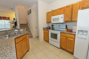 Four-Bedroom Yellow Villa #3000, Ville  Orlando - big - 38