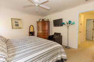 Four-Bedroom Yellow Villa #3000, Ville  Orlando - big - 40