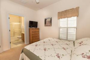 Four-Bedroom Yellow Villa #3000, Ville  Orlando - big - 43