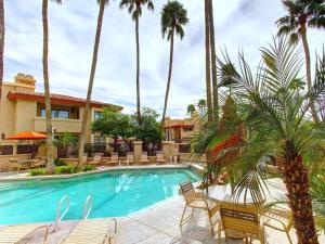 Resort Community: Three Heated 24/7/365 Pools; ½ mile walk to N. Mtn. Preserve! - Apartment - Phoenix
