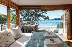 The Beach House - Oneroa Beach, Prázdninové domy  Oneroa - big - 28