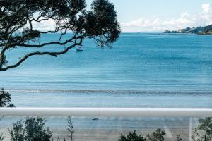 The Beach House - Oneroa Beach, Prázdninové domy  Oneroa - big - 36