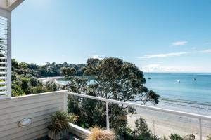 The Beach House - Oneroa Beach, Prázdninové domy  Oneroa - big - 26