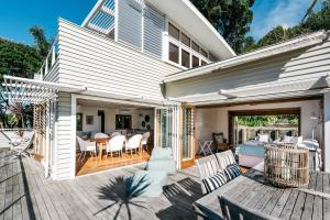 The Beach House - Oneroa Beach, Prázdninové domy  Oneroa - big - 24