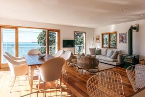 The Beach House - Oneroa Beach, Prázdninové domy  Oneroa - big - 22
