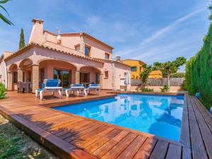 Holiday home Amfora 64, Villen  Sant Pere Pescador - big - 18