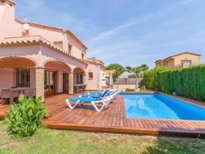 Holiday home Amfora 64, Villen  Sant Pere Pescador - big - 19