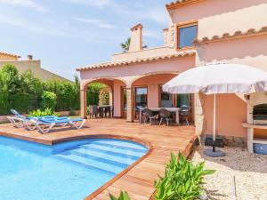 Holiday home Amfora 64, Villen  Sant Pere Pescador - big - 28