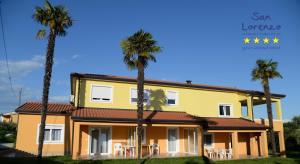 San Lorenzo Apartments, Vendégházak  Lovrečica - big - 1