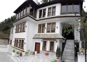 Guest House Elena - Sheaj